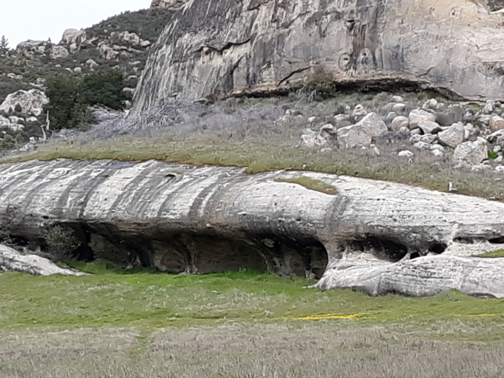 An interesting rock formation along the trail
